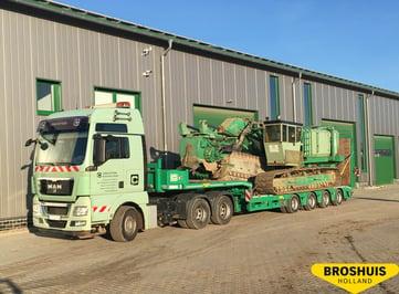 Broshuis semi low loader with ramps (2)-1.jpg