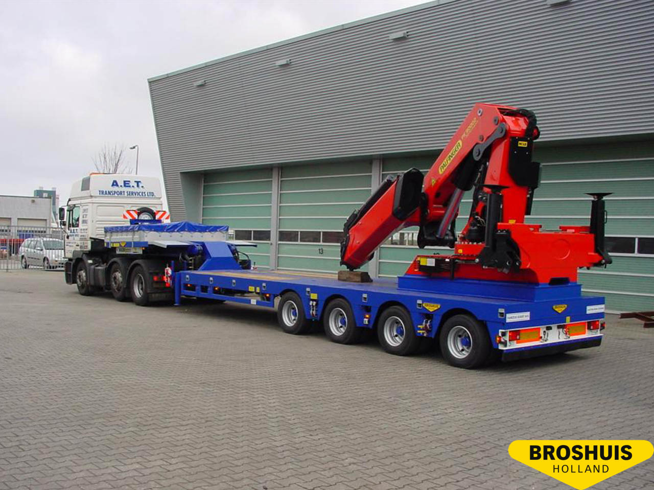 Broshuis trailers with cranes for industrial moves