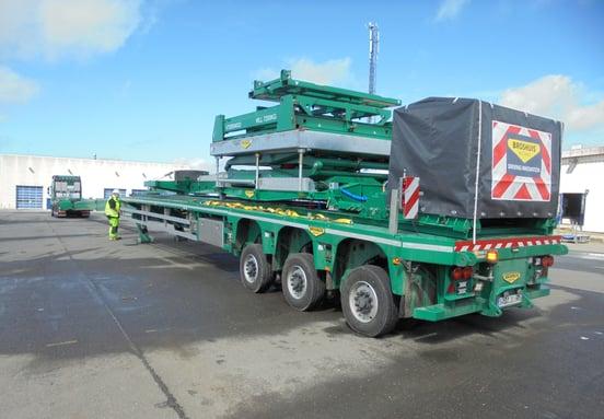 Wind turbine trailer